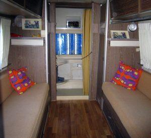belrepayre caravane ameriacine en aluminium blue moon salon chambre