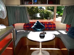 belrepayre retrocamping airstream tradewind ariege france occitanie pyrenees blue moon