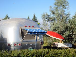 belrepayre airstream retro glamping nature fun melody maker