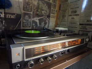 belrepayre melody maker turn table tourne disque