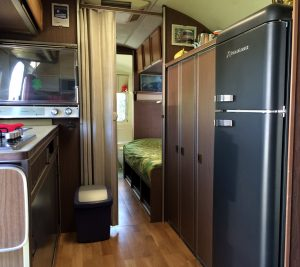 belrepayre caravane americaine vintage interieur overlander
