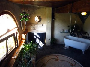 belrepayre and its unusual bathroom facing the pyrenees