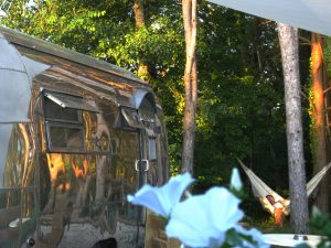 belrepayre location caravane americaine naia hamac