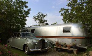 belrepayre airstream retro camping insolite atypique pyrenees ariege occitanie summer suite roll royce