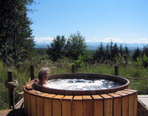 belrepayre airstream hot tub